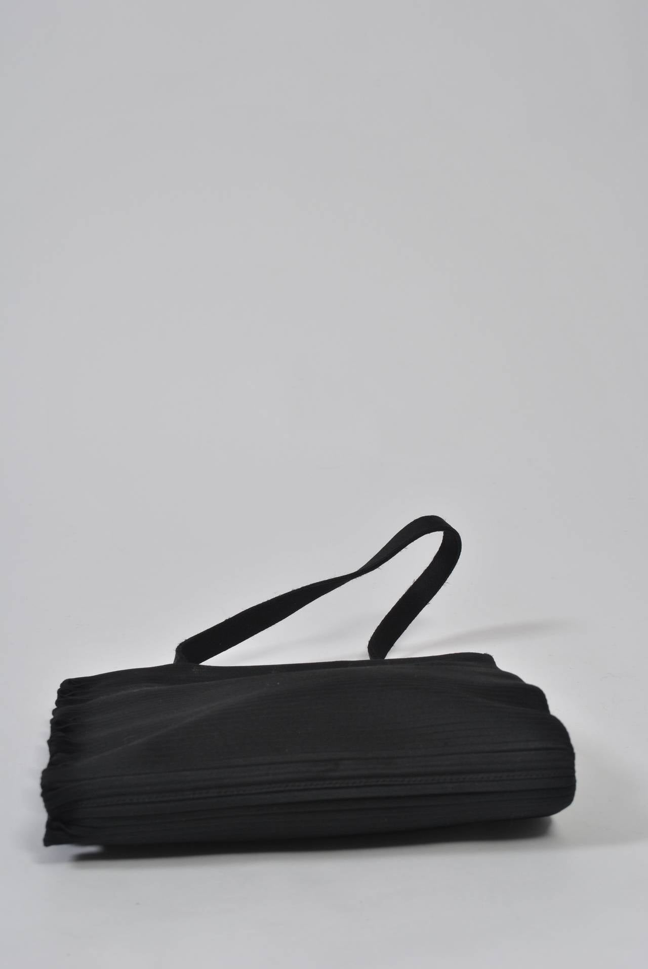 Black Ribbed Evening Bag In Excellent Condition For Sale In Alford, MA