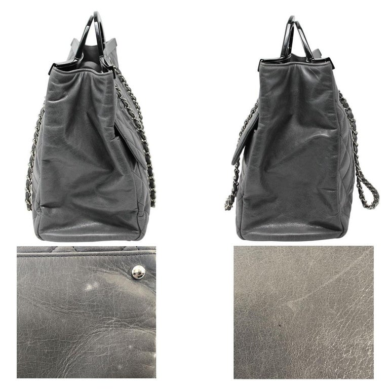 Chanel Black Resin Handle Grey Calfskin Leather Large Shopping Tote In Excellent Condition For Sale In Boca Raton, FL