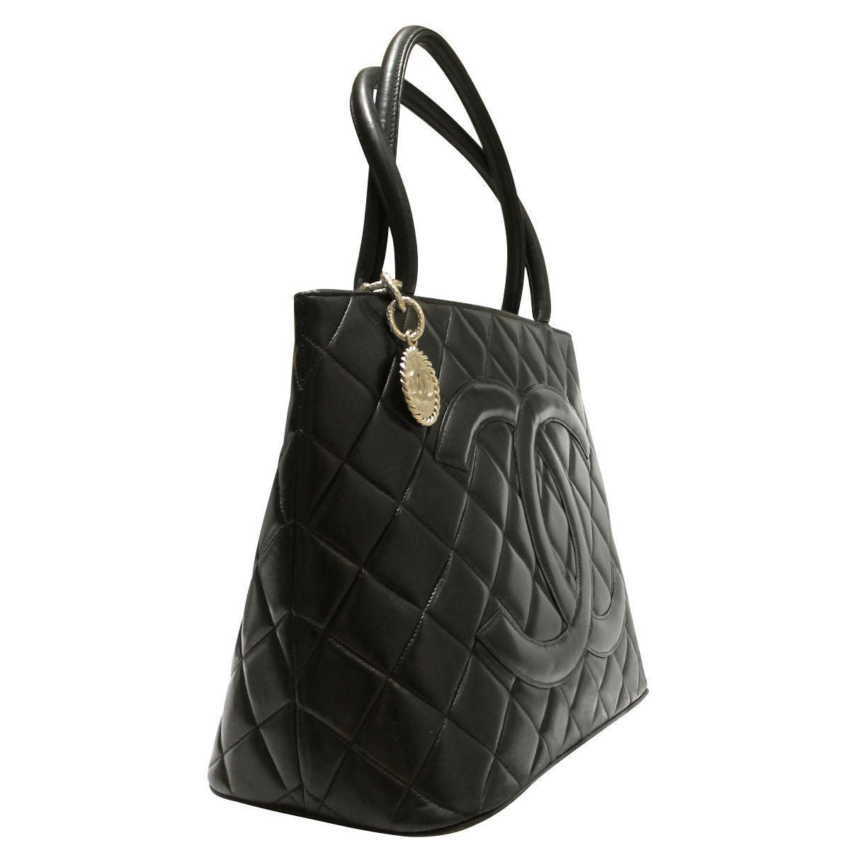 55c9471d72f6 Chanel Lambskin Medallion SHW Tote Bag Circa 2000-2002 In Good Condition  For Sale In
