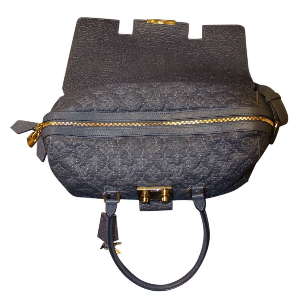 Louis Vuitton Volupte Psyche Leather Gris Bag Purse In Good Condition For Sale In Boca Raton, FL