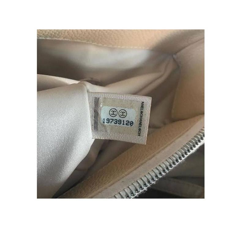 c44c2ec97e49 Chanel Beige Grand Shopping Tote GST in Dust Bag No. 19 For Sale 4