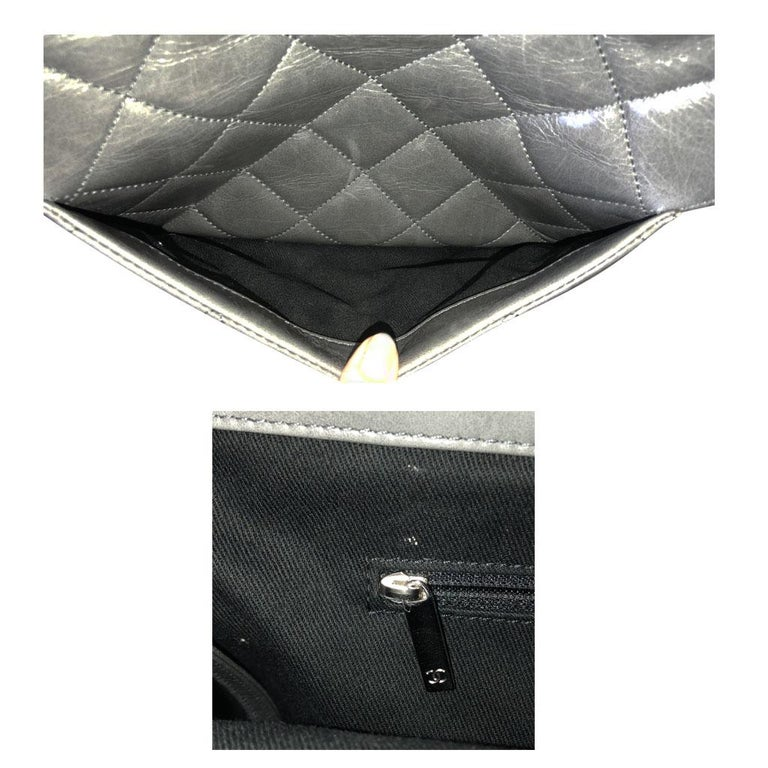 Chanel Black Resin Handle Grey Calfskin Leather Large Shopping Tote For Sale 3
