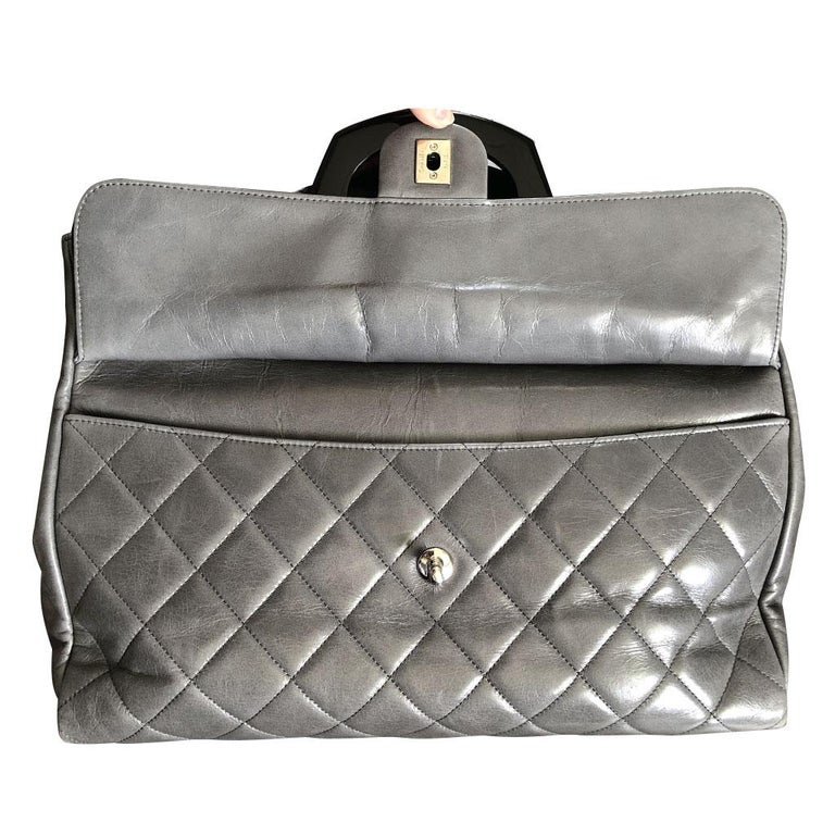 Women's or Men's Chanel Black Resin Handle Grey Calfskin Leather Large Shopping Tote For Sale
