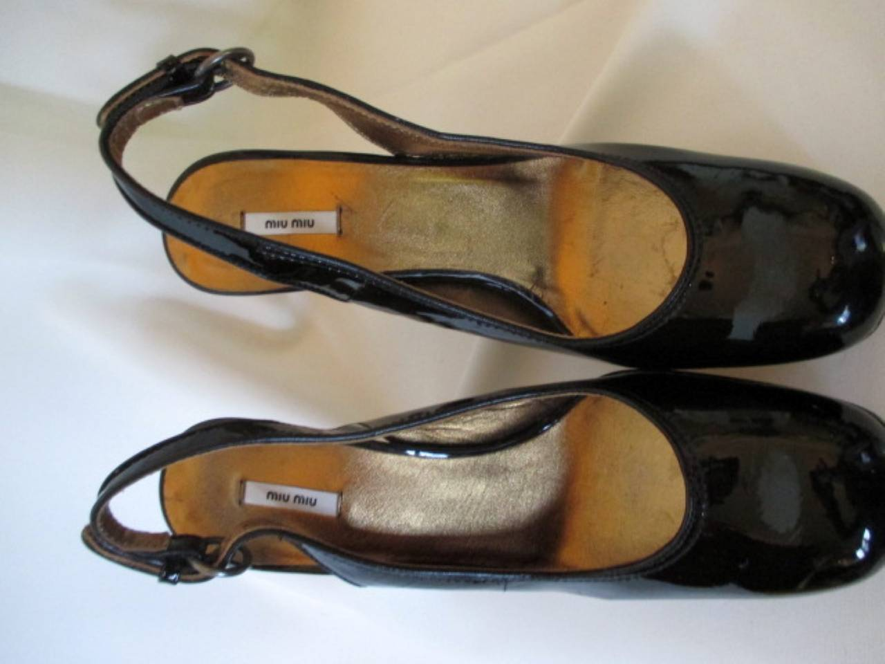 Women's Miu Miu black patent leather heels size eu 37 For Sale
