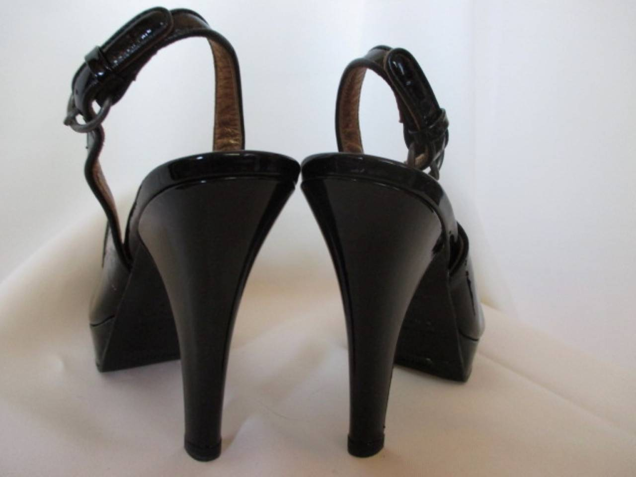 Black Miu Miu black patent leather heels size eu 37 For Sale
