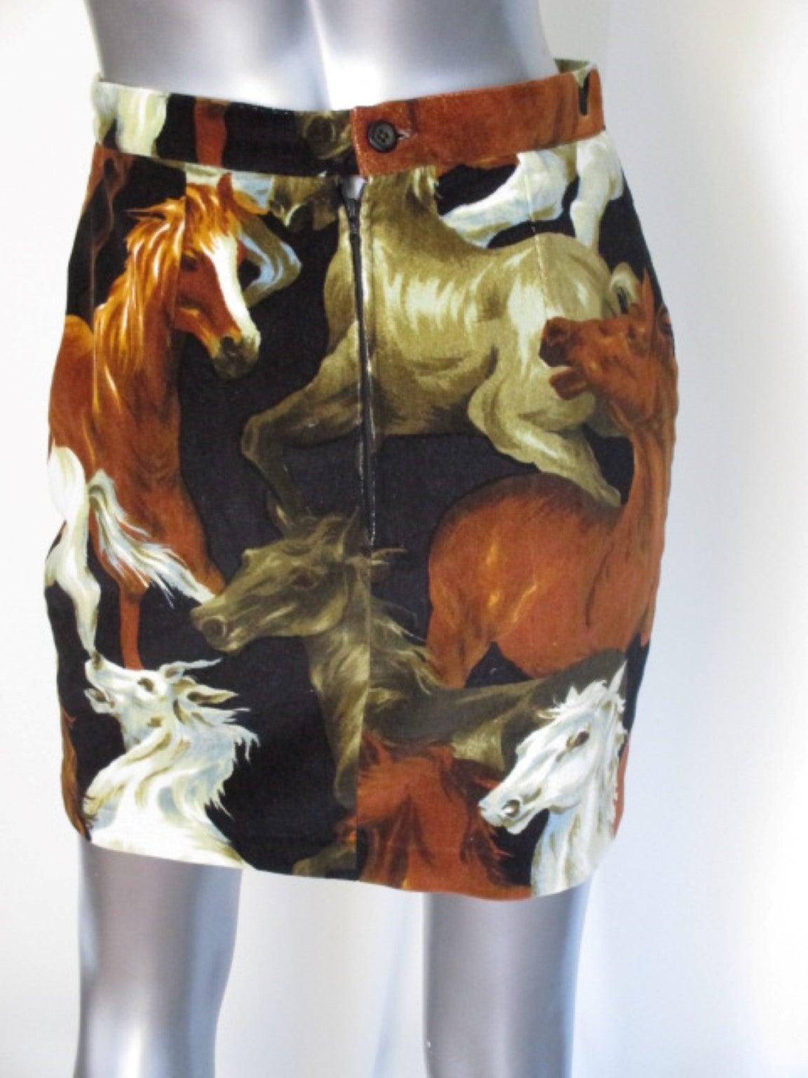 90's rare Kenzo velvet skirt with wild horses print 3