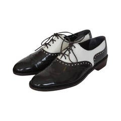 Gorgeous darkbrown/creme French patent leather correspondent shoes