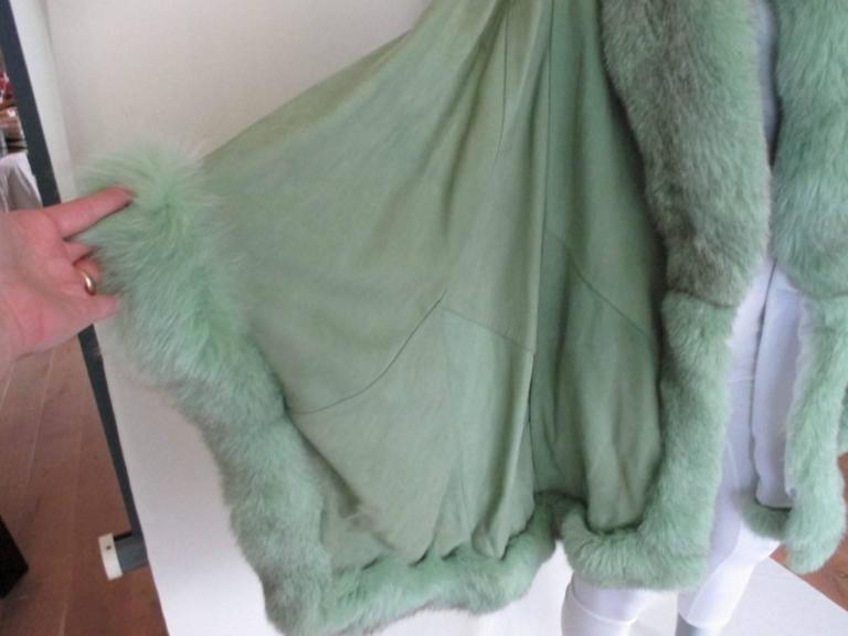 lime green soft suede leather fox fur trimmed cape 3