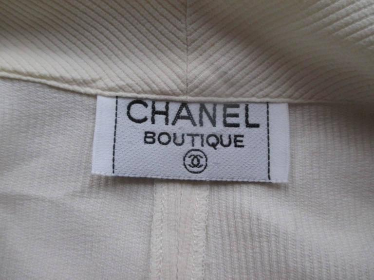 chic chanel sleeveless blouse size xs-s 2