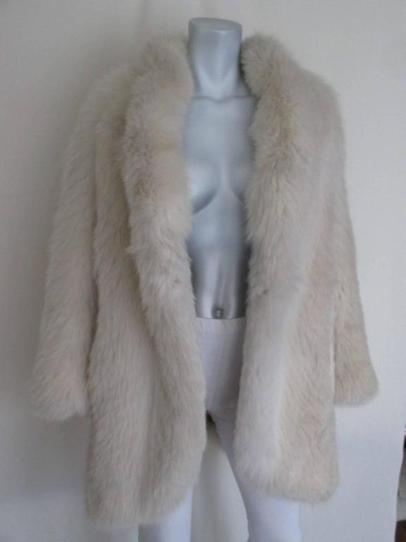 Women's or Men's soft fox fur coat For Sale