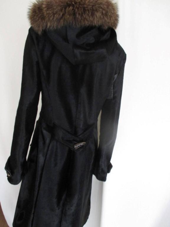 Dolce & Gabbana Hooded Black Pony Fur Coat In Good Condition For Sale In Amsterdam, NL
