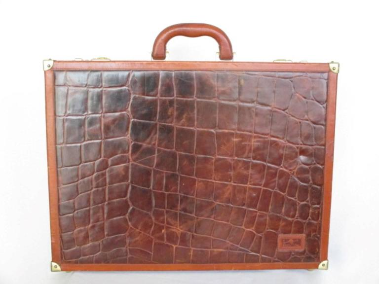 Brown beautiful brown leather briefcase For Sale