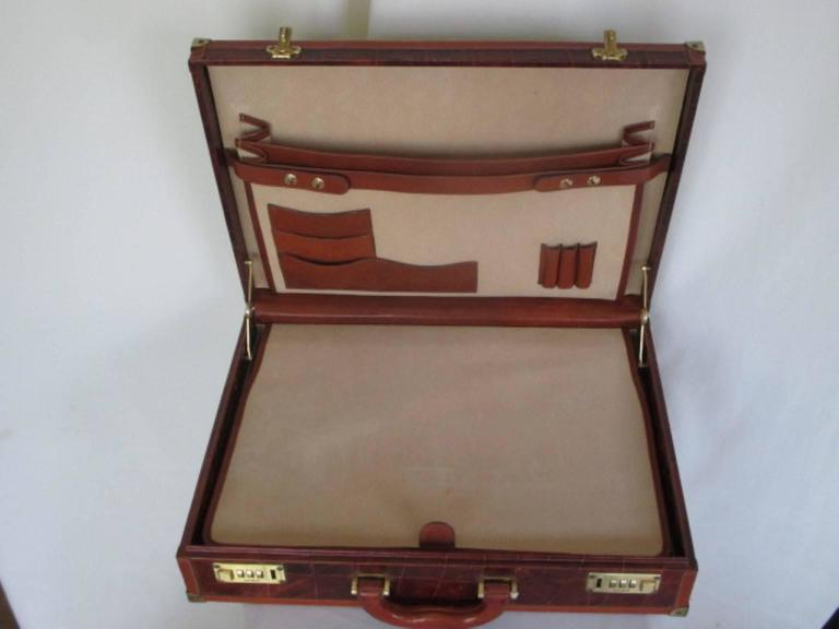 beautiful brown leather briefcase For Sale 2