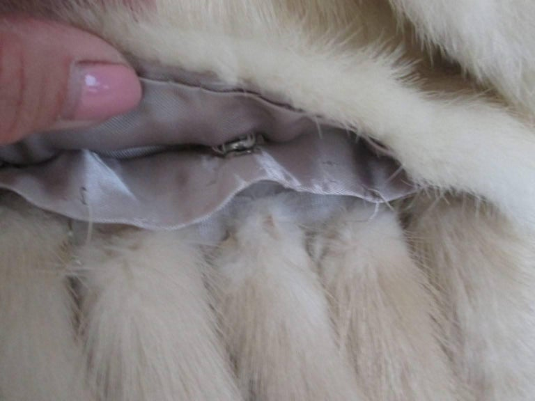 Berkeley furs vintage Mink Fur Stole  In Good Condition For Sale In Amsterdam, NL