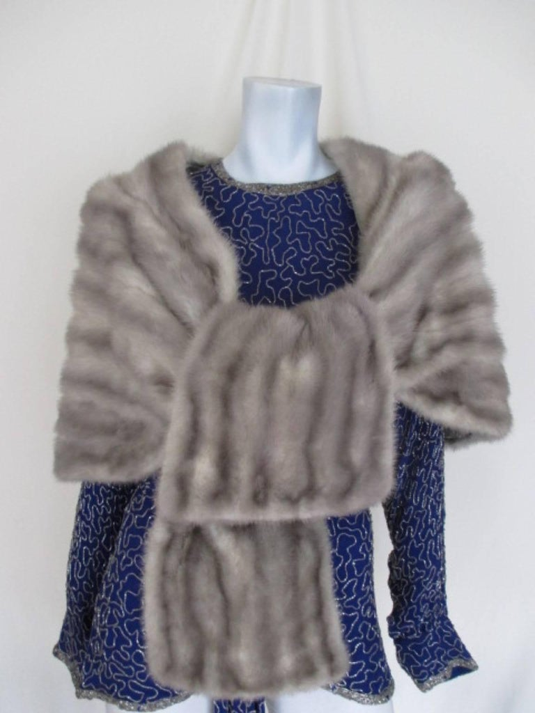 vintage grey mink fur stole In Excellent Condition For Sale In Amsterdam, NL