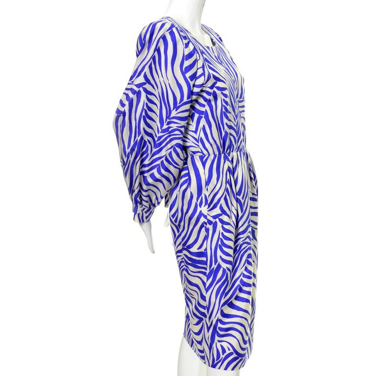1980s YSL Vintage Dress Yves Saint Laurent Abstract Bold Zebra Print Blue Sz 36 In Excellent Condition For Sale In Portland, OR