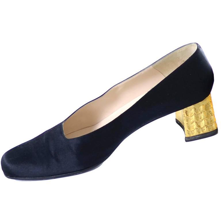 Black Rare Documented Christian Louboutin Vintage Shoes Gold Leaf Heels 7.5 For Sale