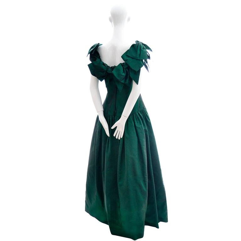 Victor Costa 1980s Vintage Dress Iridescent Green Ballgown Evening Gown 6/8 4