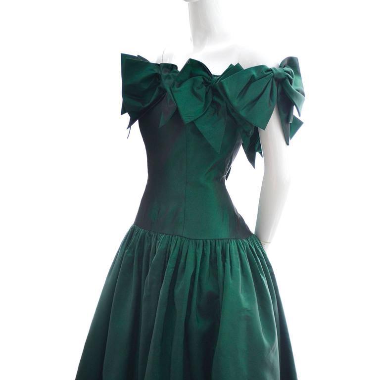 Victor Costa 1980s Vintage Dress Iridescent Green Ballgown Evening Gown 6/8 6
