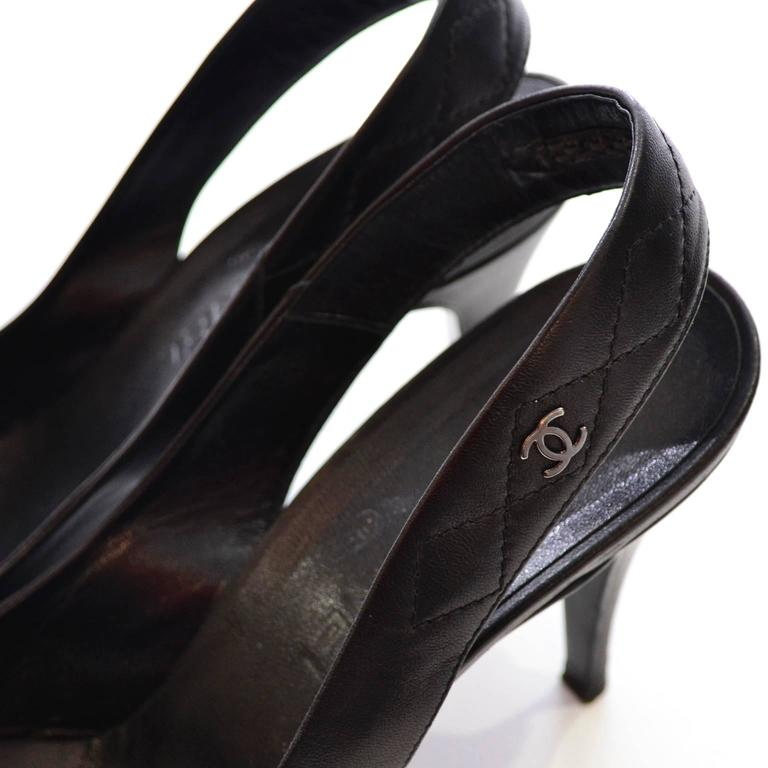 Women's 2000 Black Leather Chanel Slingbacks Shoes Heels Size 40 Quilted Strap In Box For Sale