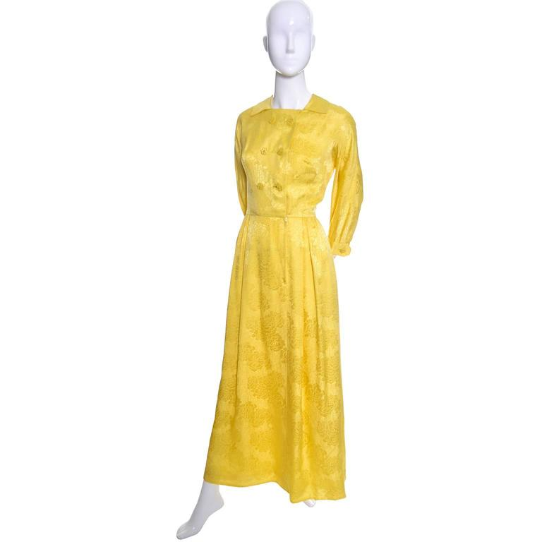 Women's 1960s Dynasty Vintage Hostes Gown Robe in Yellow Silk Jacquard Floral Hong Kong For Sale