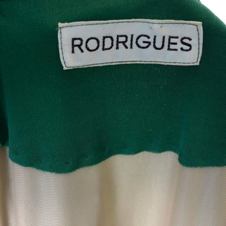Rodrigues 1970s Vintage Green SIlk Jersey Dress Maxi 6/8 For Sale 2
