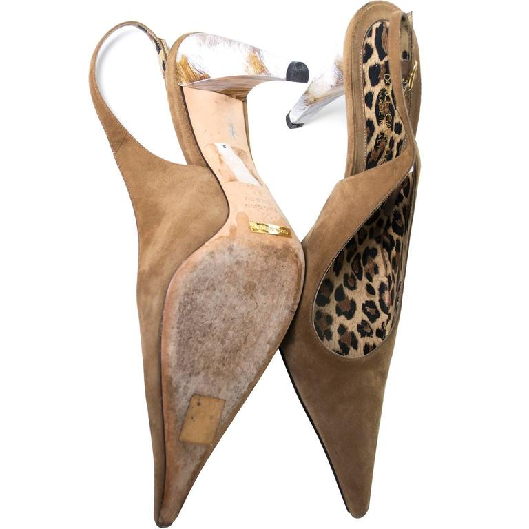 Dolce Gabbana Suede Shoes With Pointed Toe & Marbled Heels in Size 39 In Excellent Condition For Sale In Portland, OR
