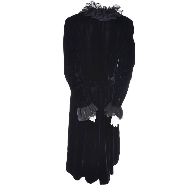 Albert Nipon Vintage Black Velvet Lace Dress 1970s Victorian Renaissance 12 For Sale 4