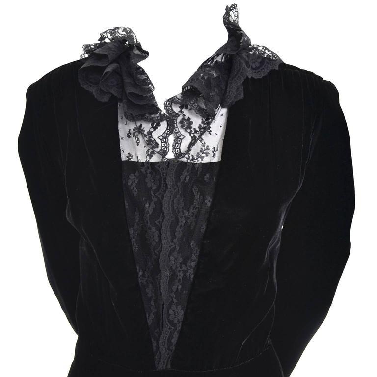 Albert Nipon Vintage Black Velvet Lace Dress 1970s Victorian Renaissance 12 In Excellent Condition For Sale In Portland, OR