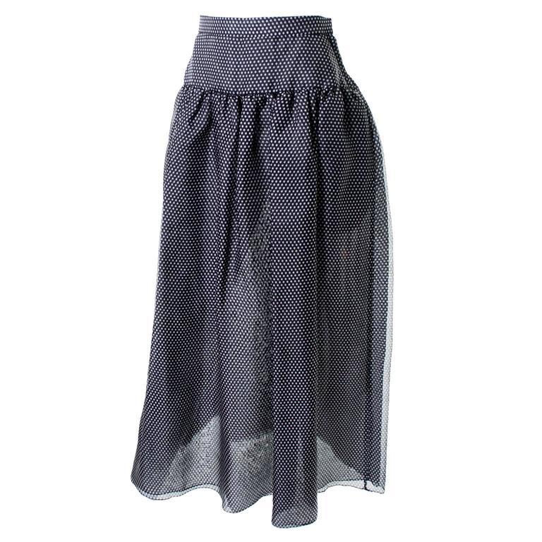Oscar de la Renta  Vintage skirt leather Skirt   original tag size 10  with belt
