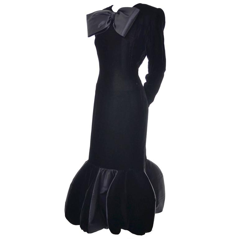 Avant Garde Givenchy Vintage Dress Velvet Statement Evening Gown 12 In Excellent Condition For Sale In Portland, OR