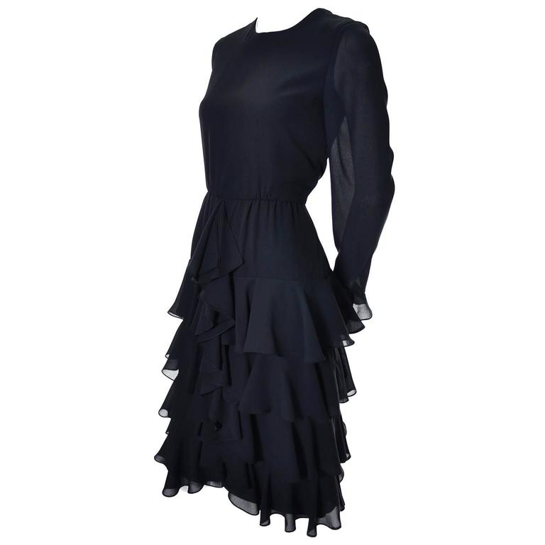 Bill Blass 1980s Vintage Cocktail Black Silk Dress With Ruffles & Layers Sz 6/8 In Excellent Condition For Sale In Portland, OR