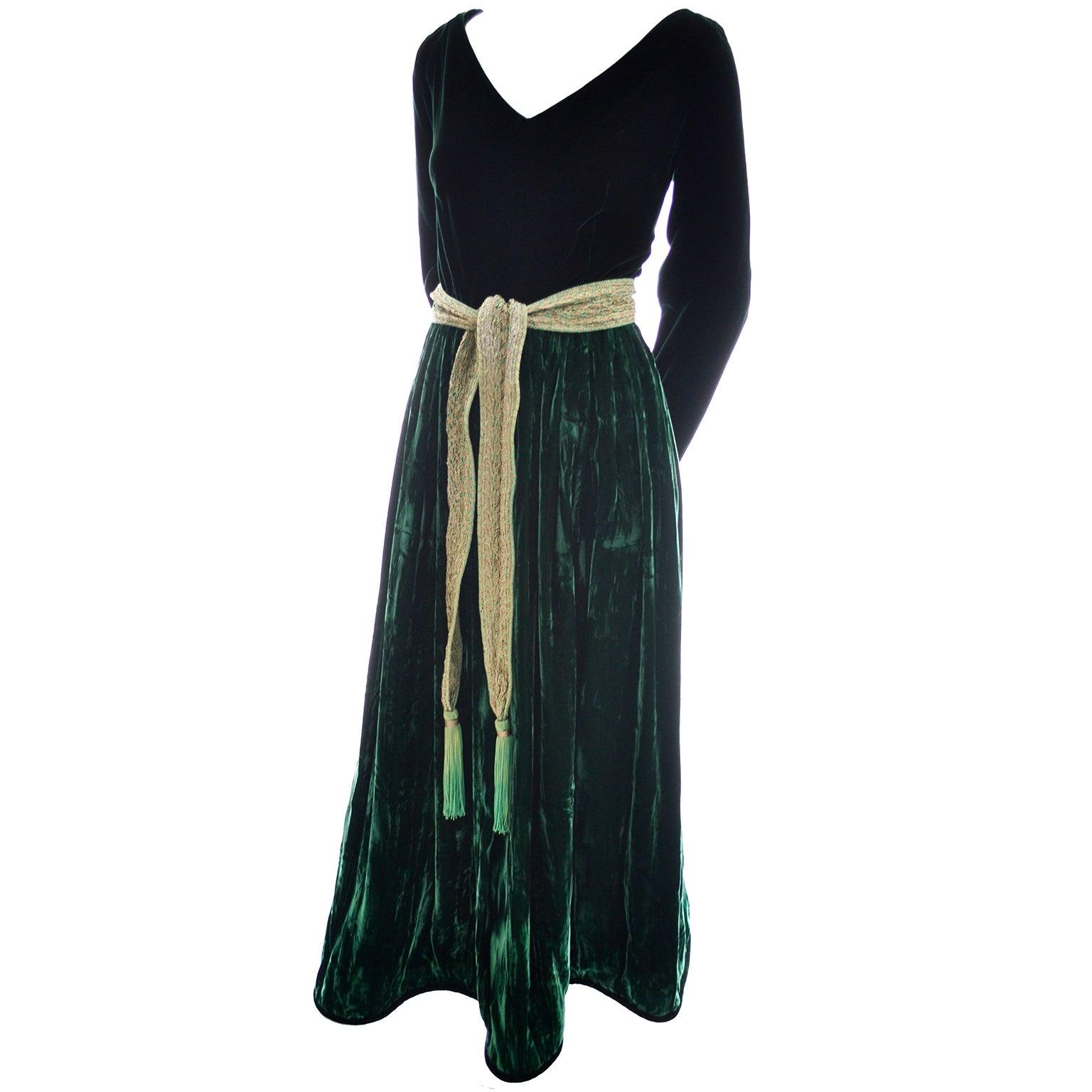 0df9436765d6 Oscar de la Renta Vintage Green Velvet Evening Gown Formal Dress For Sale  at 1stdibs