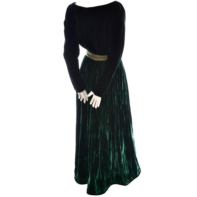 Women's Oscar de la Renta Vintage Green Velvet Evening Gown Formal Dress For Sale