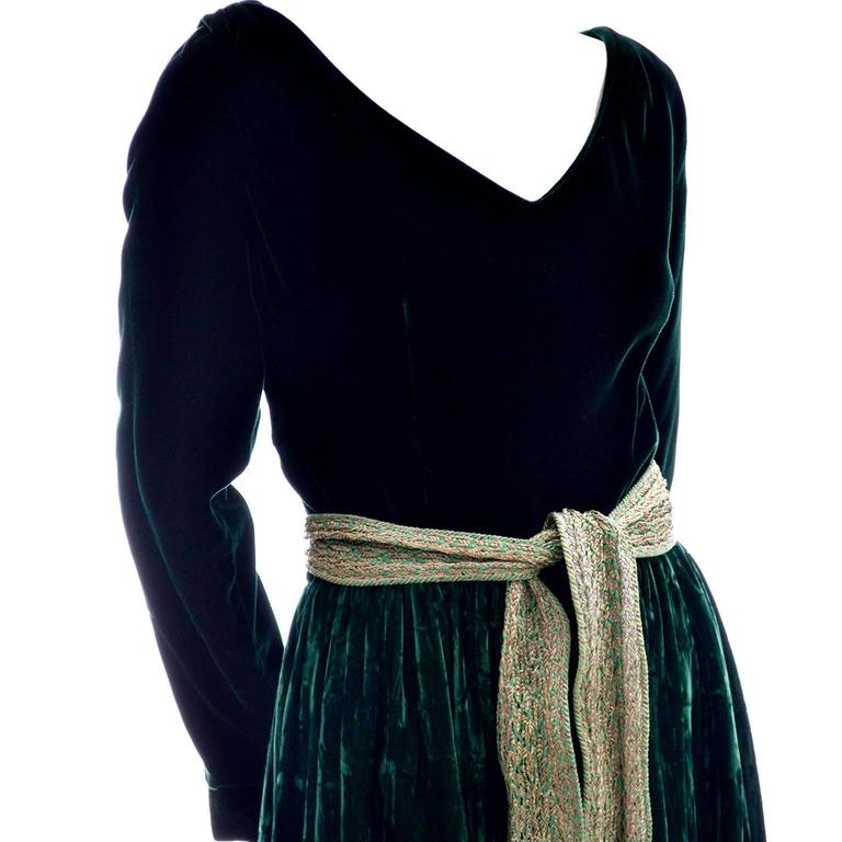Oscar de la Renta Vintage Green Velvet Evening Gown Formal Dress In Excellent Condition For Sale In Portland, OR