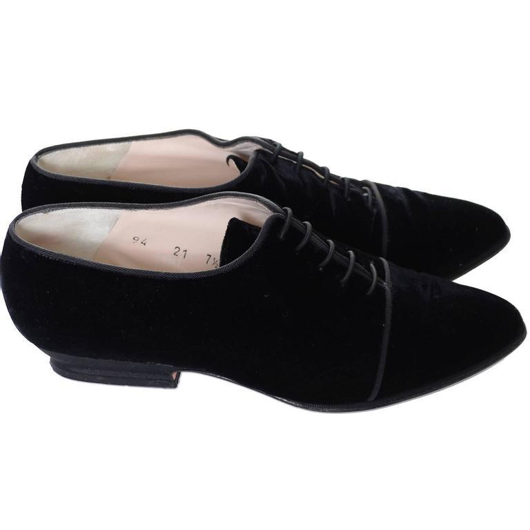 vintage escada shoes black velvet lace up pointed toe 7 5