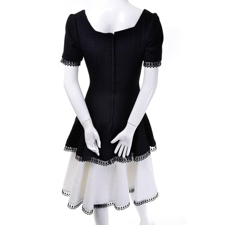 Women's 1980s Victor Costa Vintage Dress Lou Rose Montecito Black White Waffle Weave 8  For Sale