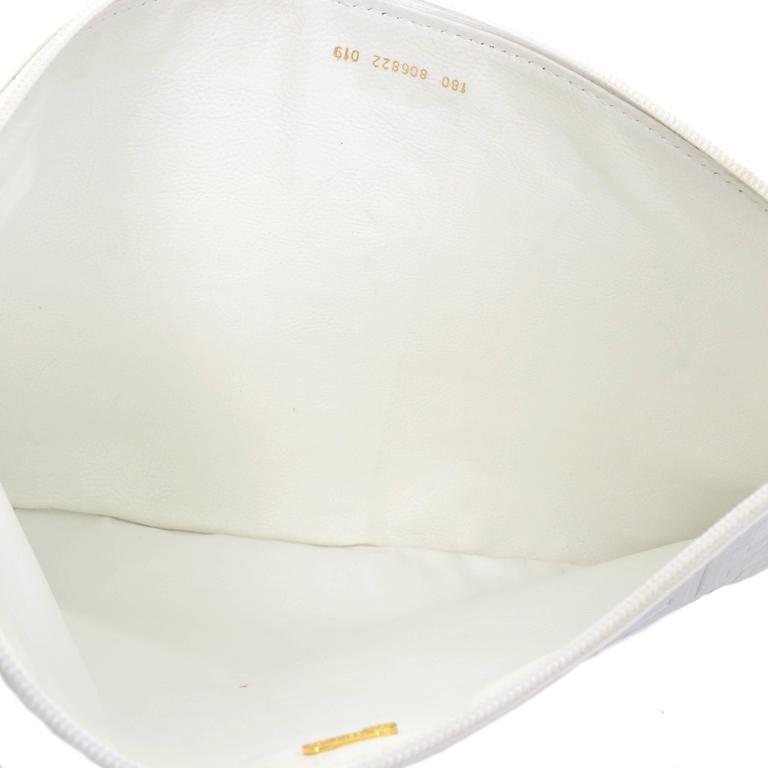 Women's Vintage Fendi Handbag in White Leather Oversized Clutch W/ F Logo Pattern For Sale