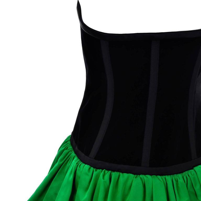 Yves Saint Laurent 1988 YSL Evening Dress in Black Velvet & Green Taffeta For Sale 3