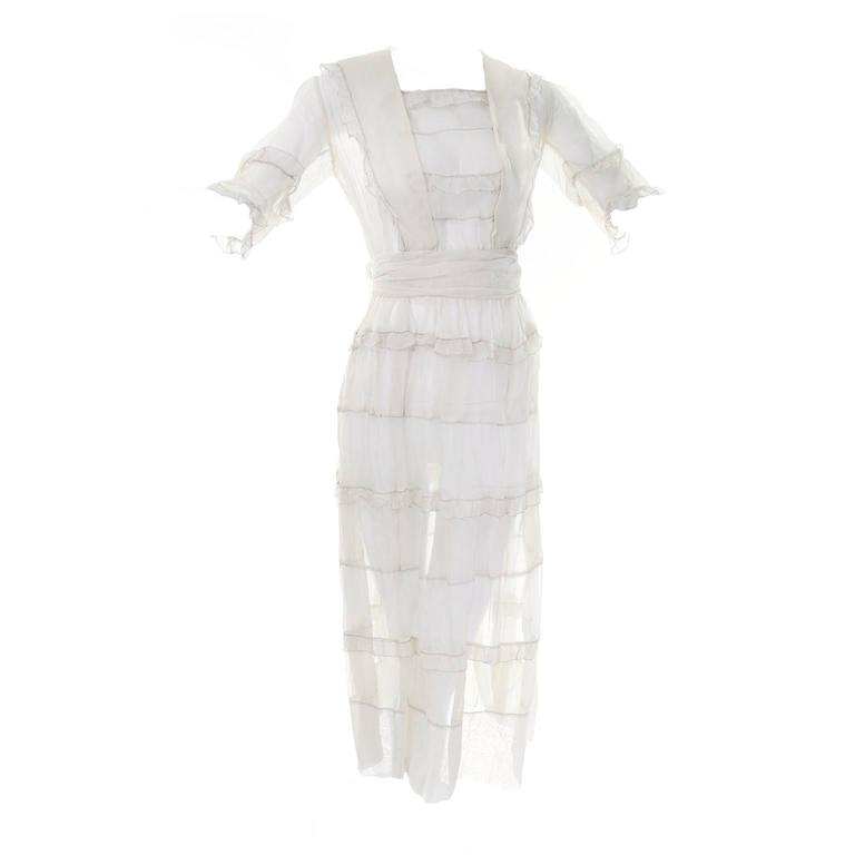Ivory Edwardian Vintage Dress in Sheer Organdy Ruffles With Sash Size 4/6 In Excellent Condition For Sale In Portland, OR