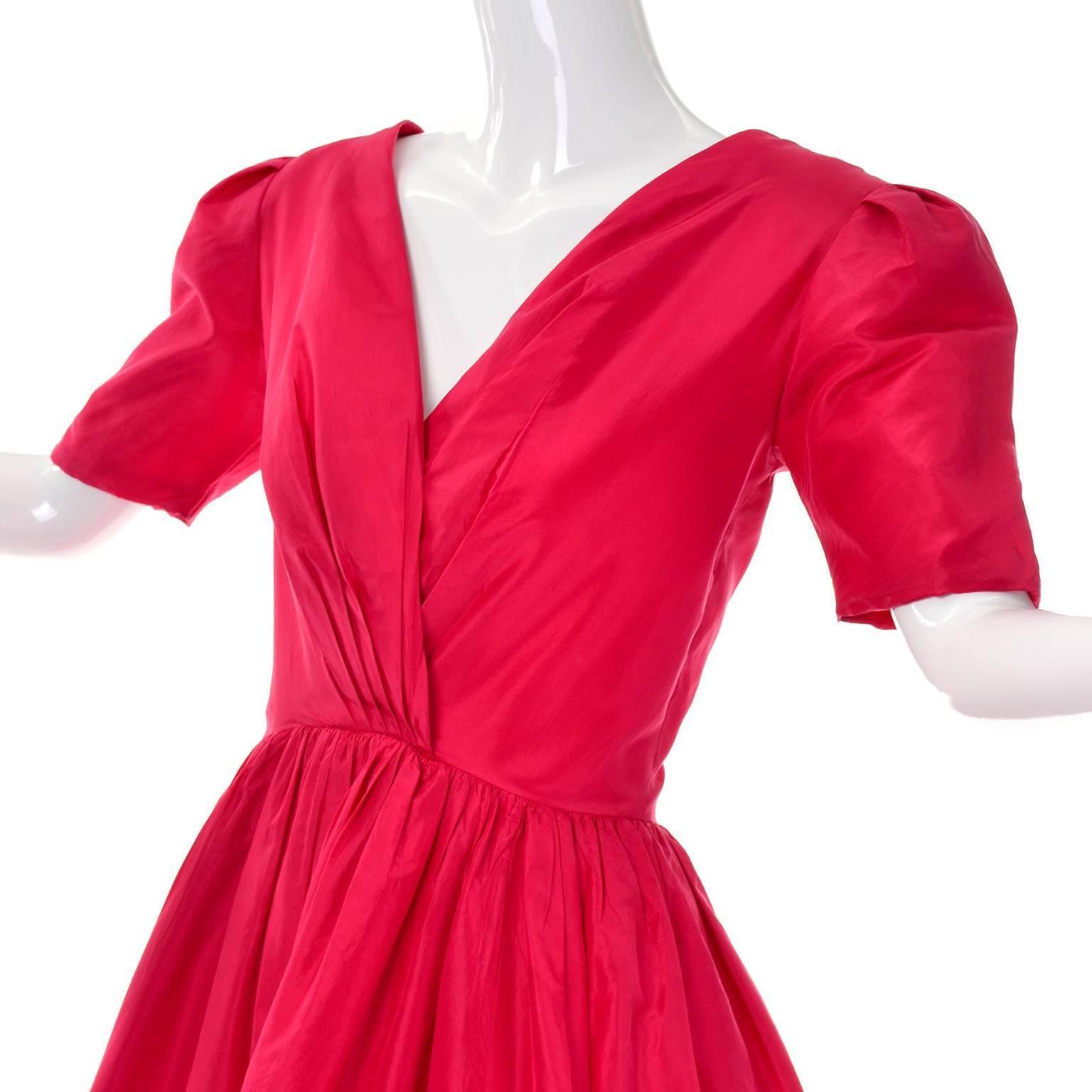 fcd7f0882f Oscar de la Renta Vintage Red Silk Party Dress from Bonwit Teller in Size  4 6 For Sale at 1stdibs