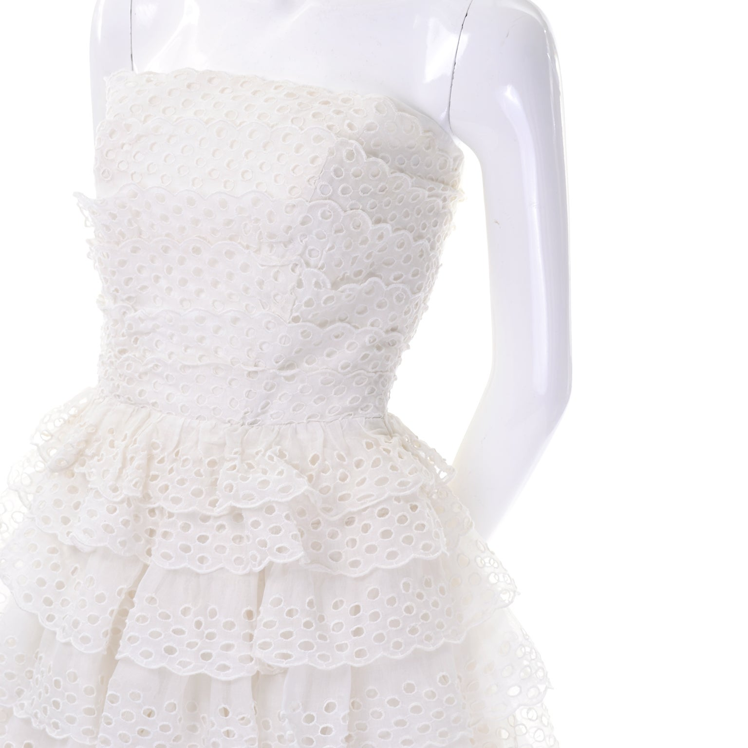 248cef6f4b4 Suzy Perette White Eyelet Ruffled Strapless Vintage Dress 2 4 For Sale at  1stdibs