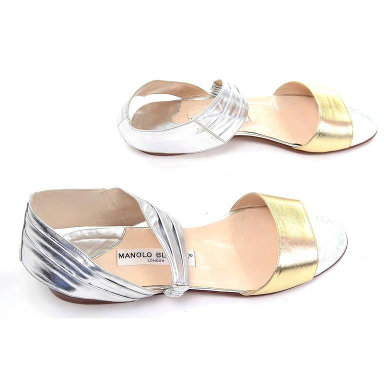 Beige New Vintage Manolo Blahnik London Shoes Gold Silver Metallic Sandals 38.5 For Sale