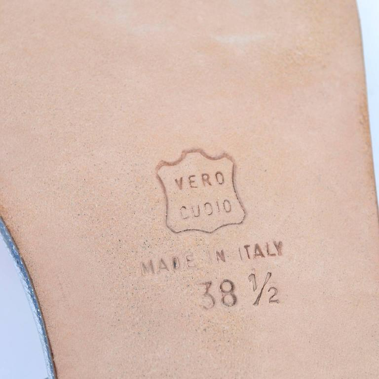 Women's New Vintage Manolo Blahnik London Shoes Gold Silver Metallic Sandals 38.5 For Sale