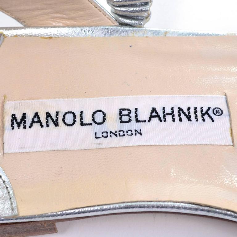 New Vintage Manolo Blahnik London Shoes Gold Silver Metallic Sandals 38.5 For Sale 1