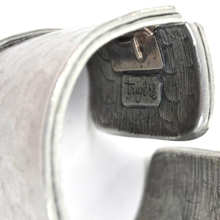 1970s Pauline Trigere Signed Vintage Hinged Hammered Cuff Bracelet  For Sale 5