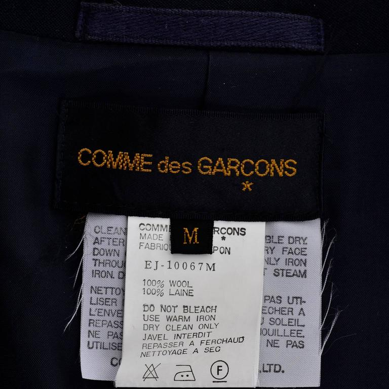 Comme des Garcons Black Wool Cutaway Open Front Short Jacket Blazer For Sale 6