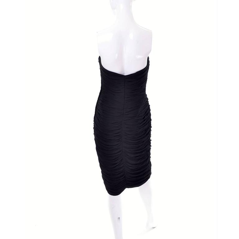 Documented Vintage 1986 Bodycon Vicky Tiel Strapless Black Dress W/ Heart Bodice For Sale 4