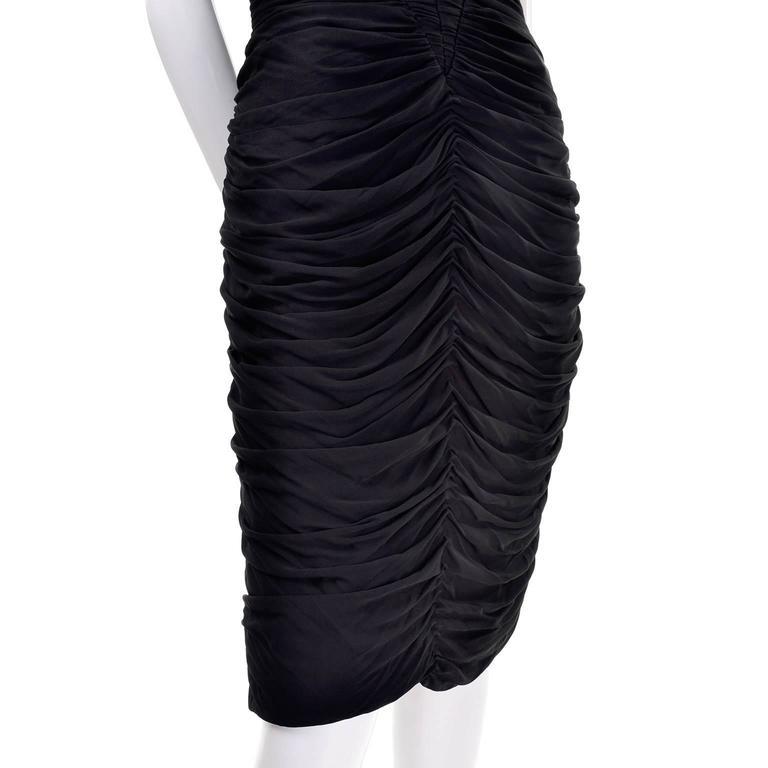 Documented Vintage 1986 Bodycon Vicky Tiel Strapless Black Dress W/ Heart Bodice For Sale 2