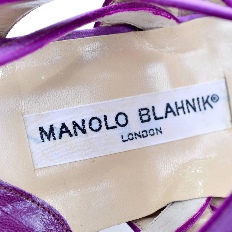 New Vintage Manolo Blahnik Purple Satin Vintage Shoes With Rhinestone Buckles 39 For Sale 3